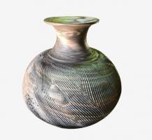 Vase en terres mêlées strié